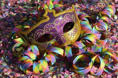 festa carnevale in maschera