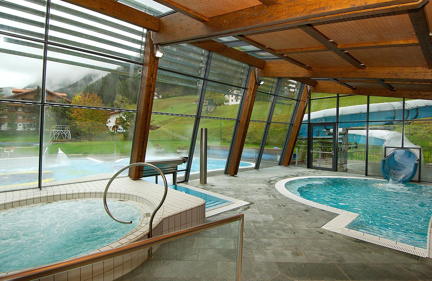 Piscina e centro benessere Ortisei Val Gardena Mar Dolomit