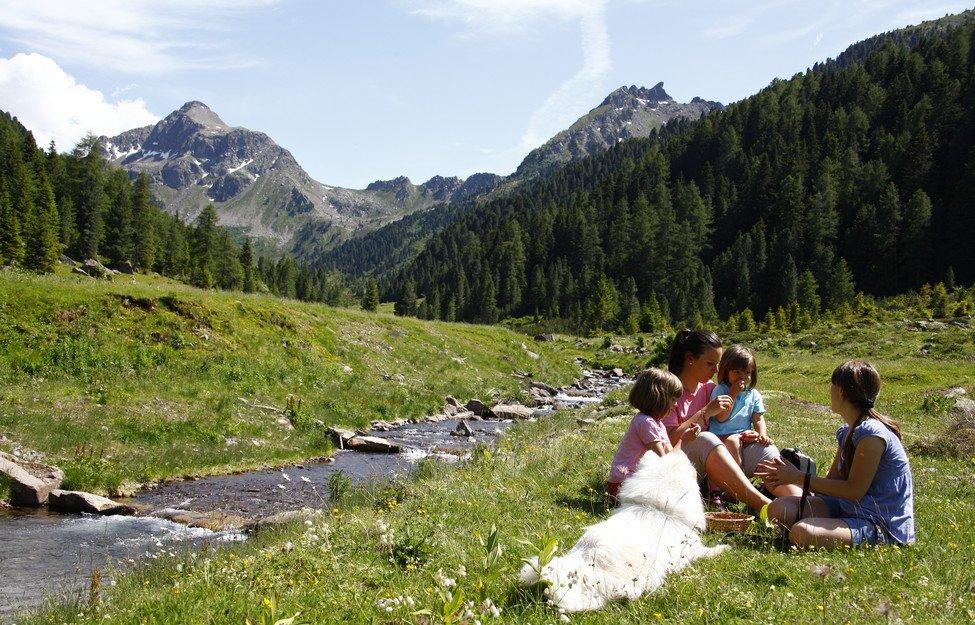 pic-nic Val Gardena Dolomiti parco estate