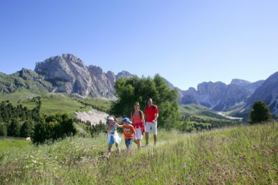 Le migliori vacanze estive alla scoperta della Val Gardena con la famiglia
