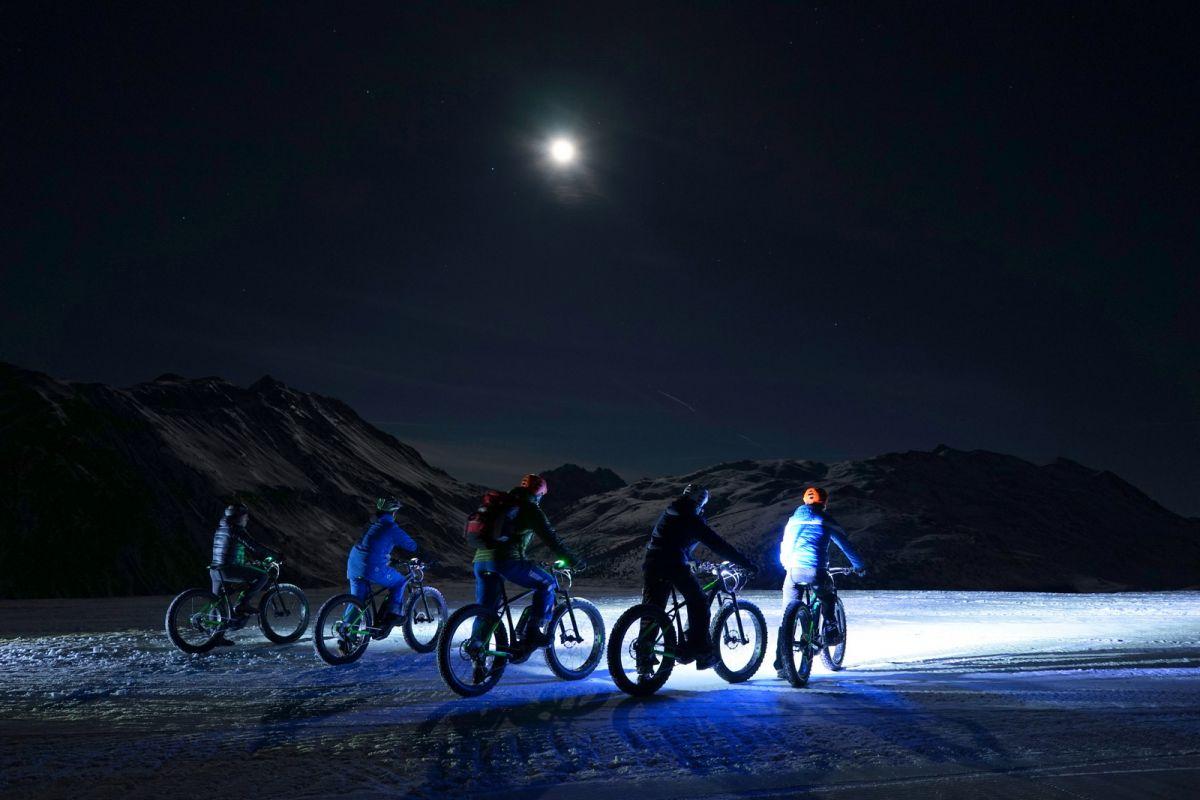 Fatbike tour sulla neve di notte