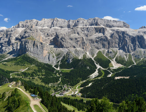 Viewpoints for souvenir photos in summer in Val Gardena