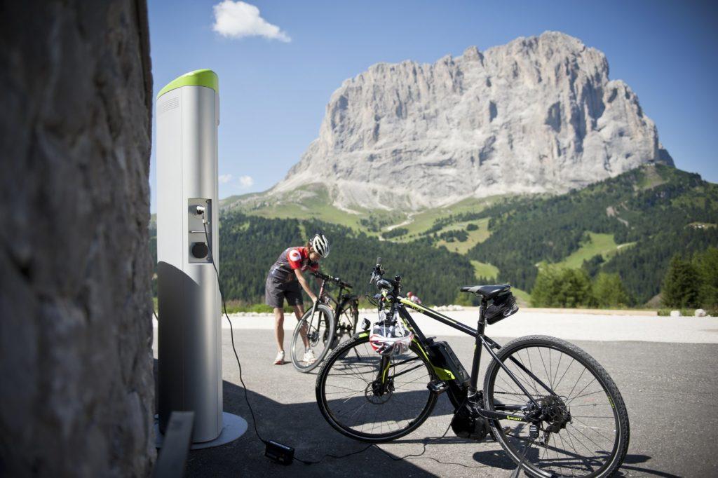 escursioni con l'e-bike in Val Gardena per una mobilità sostenibile