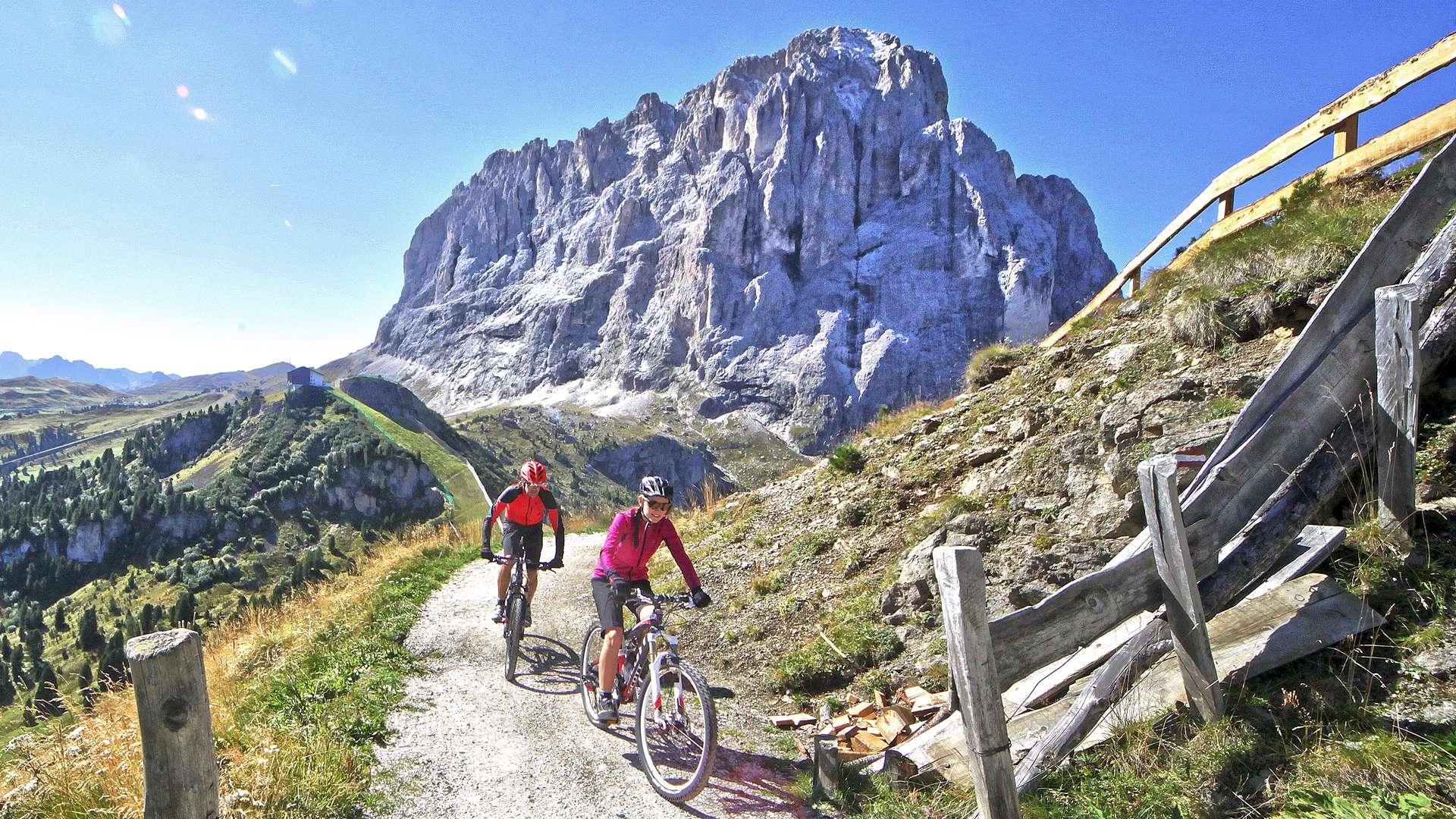 esplorare la Val Gardena in Mountain bike estate