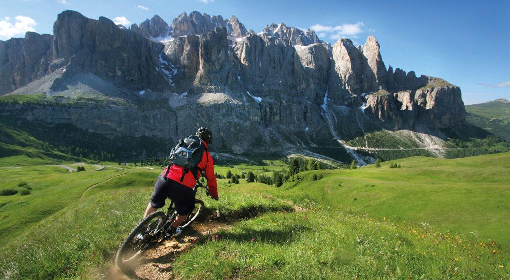 guida e proposte per muoversi in bicicletta mountainbike in Val Gardena